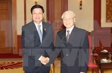 Le secrétaire général Nguyên Phu Trong reçoit le PM laotien Thongloun Sisoulith