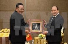 Le PM Nguyên Xuân Phuc reçoit des personnalités et businessmen thaïlandais