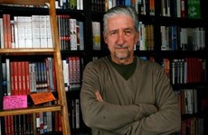Le Vietnam rend hommage au militant anti-guerre américain Tom Hayden