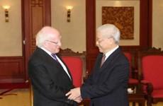Des dirigeants vietnamiens reçoivent le président irlandais
