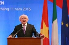 Le président irlandais Michel D. Higgins se rend à HCM-Ville