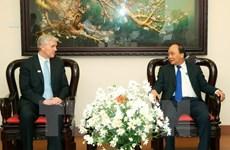 Le Premier ministre Nguyên Xuân Phuc reçoit le directeur de la BAD au Vietnam