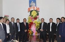 Noël : le vice-Premier ministre Truong Hoa Binh félicite des chrétiens