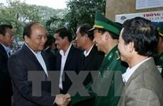 Le PM au port de Da Nang et au Centre de sauvetage de la 2e zone maritime