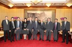Nguyen Phu  Trong rencontre les entreprises chinoises en activité au Vietnam