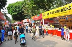 Hanoï : Plus de sept milliards de dông de recettes pour le festival printanier du livre Dinh Dâu
