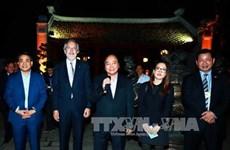 Nguyen Xuan Phuc rencontre des chefs de grandes multinaltionales