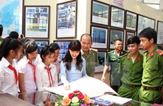 Exposition sur les archipels de Hoàng Sa et Truong Sa à Khanh Hoa