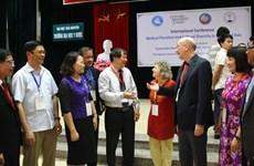 La médecine traditionnelle: Connaissance autochtone et moyen d'existence en Asie du Sud-Est