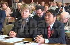 En Russie, le Vietnam partage ses expériences dans l'édification du socialisme
