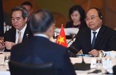 Poursuite des activités du PM Nguyên Xuân Phuc au Japon