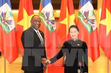 Entretien entre la présidente de l'AN du Vietnam et le président du Sénat de la R. d'Haïti