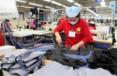 La compagnie par actions d'habillement N°10 coopère avec ses partenaires japonais