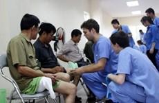Une délégation de bénévoles américains donne des consultations médicales gratuites à Thai Nguyên