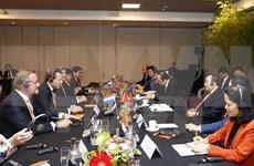 Le PM Nguyên Xuân Phuc rencontre des géants économiques néerlandais