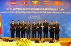 Les ministres de CLMVT discutent du travail stable des travailleurs migrants