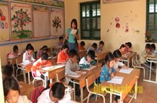 Education : 4,3 milliards de dongs d'assistance aux enfants ethniques de Dien Bien