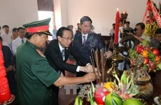 Des responsables de HCM-Ville rendent hommage au Président Ho Chi Minh