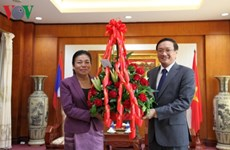 Des dirigeants laotiens félicitent le Vietnam pour la Fête nationale
