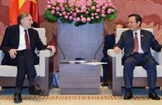 Le président de la Commission du Commerce international du Parlement européen au Vietnam