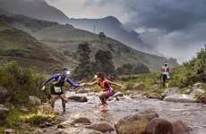 2.200 coureurs au marathon des montagnes au Vietnam