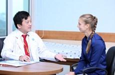 L'hôpital de l'université de médecine d'HCM-V met en service une clinique internationale