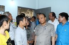 Le PM dialogue avec des ouvriers à Dong Nai