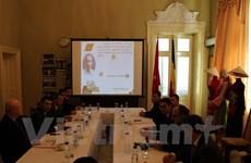 Colloque et exposition photographique sur le Président Ho Chi Minh en Roumanie