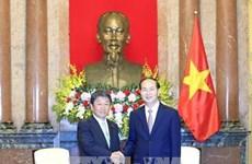 Le président Tran Dai Quang reçoit le ministre japonais de la Revitalisation économique