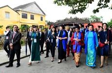 APEC 2017: Les épouses découvrent un Vietnam séduisant et attachant