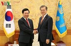 Le vice-Premier ministre Pham Binh Minh rencontre des dirigeants sud-coréens