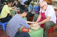 Hanoï : Améliorer les services touristiques dans les villages de métier