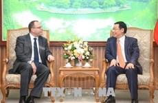 Prudential s'engage à mener ses activités à long terme au Vietnam