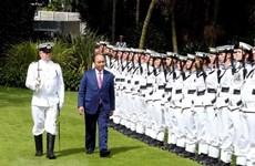 La cérémonie d'accueil officielle accordée au PM Nguyen Xuan Phuc en Nouvelle-Zélande