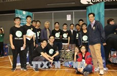 Des étudiants vietnamiens font preuve de créativité dans la fabrication de robots