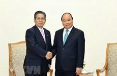 Nguyên Xuân Phuc reçoit le conseiller du Premier ministre japonais
