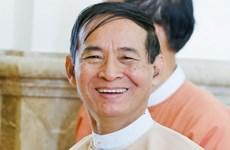 Le nouveau président birman prête serment