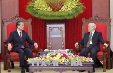 Le Vietnam prend en haute considération les relations avec la Chine