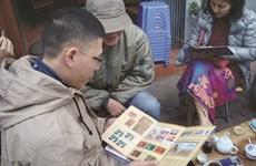 Un marché aux timbres pas comme les autres à Hanoi