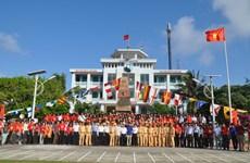 Une délégation de Viêt kiêu en visite sur l'archipel de Truong Sa et  la plate-forme DK1