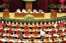 Le 7e Plénum du CC du PCV: rapport sur la direction du Bureau Politique et du Secrétariat