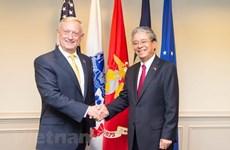 Le secrétaire américain à la Défense James Mattis reçoit le diplomate Pham Quang Vinh