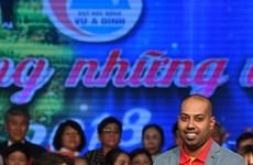 Vietjet continue d'accompagner le Fonds des bourses d'études Vu A Dinh