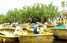 Sortir de la pauvreté grâce à la conduite du bateau à rames