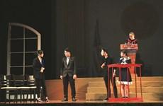 Initier les jeunes au théâtre