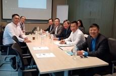 La Confédération générale du travail du Vietnam acquiert d'expériences de Singapour