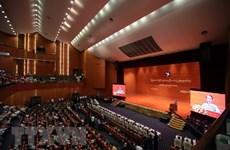 Le président birman appelle à des réformes plus profondes