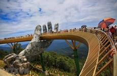 Les médias de masse étrangers font l'éloge du pont d'Or à Da Nang