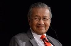 Le PM malaisien s'engage à transférer le pouvoir après deux ans