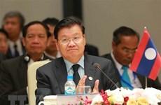 Le PM laotien assiste au FEM ASEAN 2018 au Vietnam
